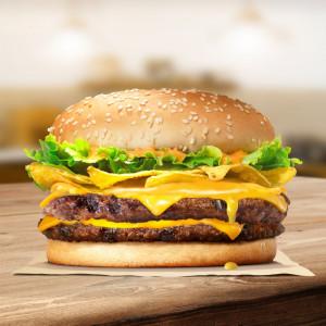 Burger 2 miếng bò khoai giòn tràn phô mai